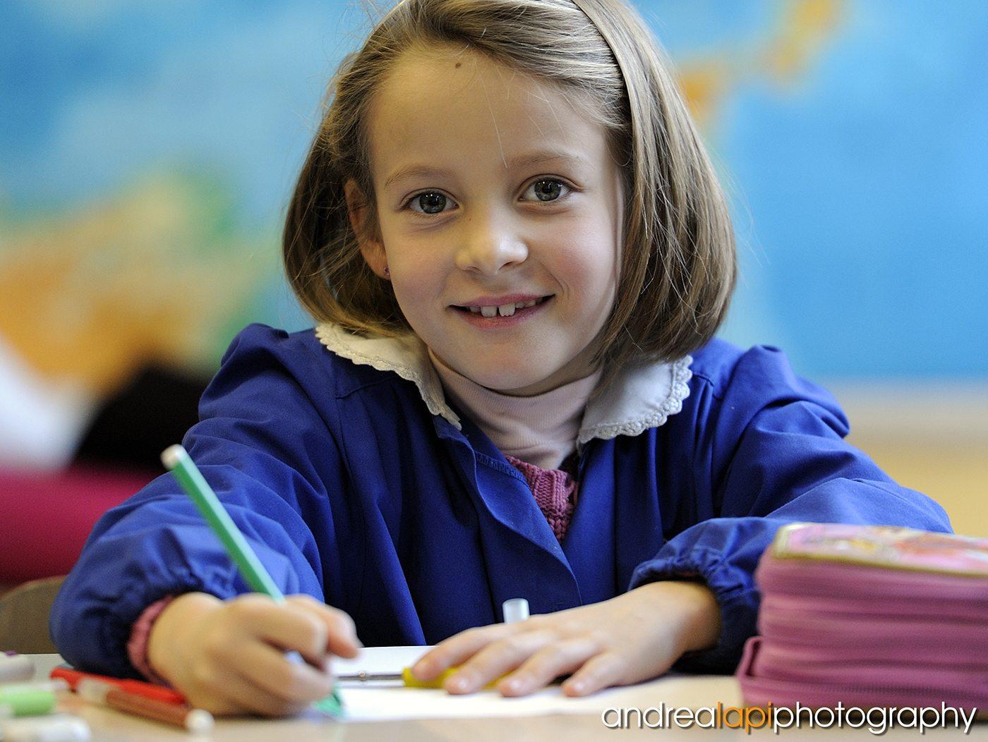Alunna bambina bambino scuola