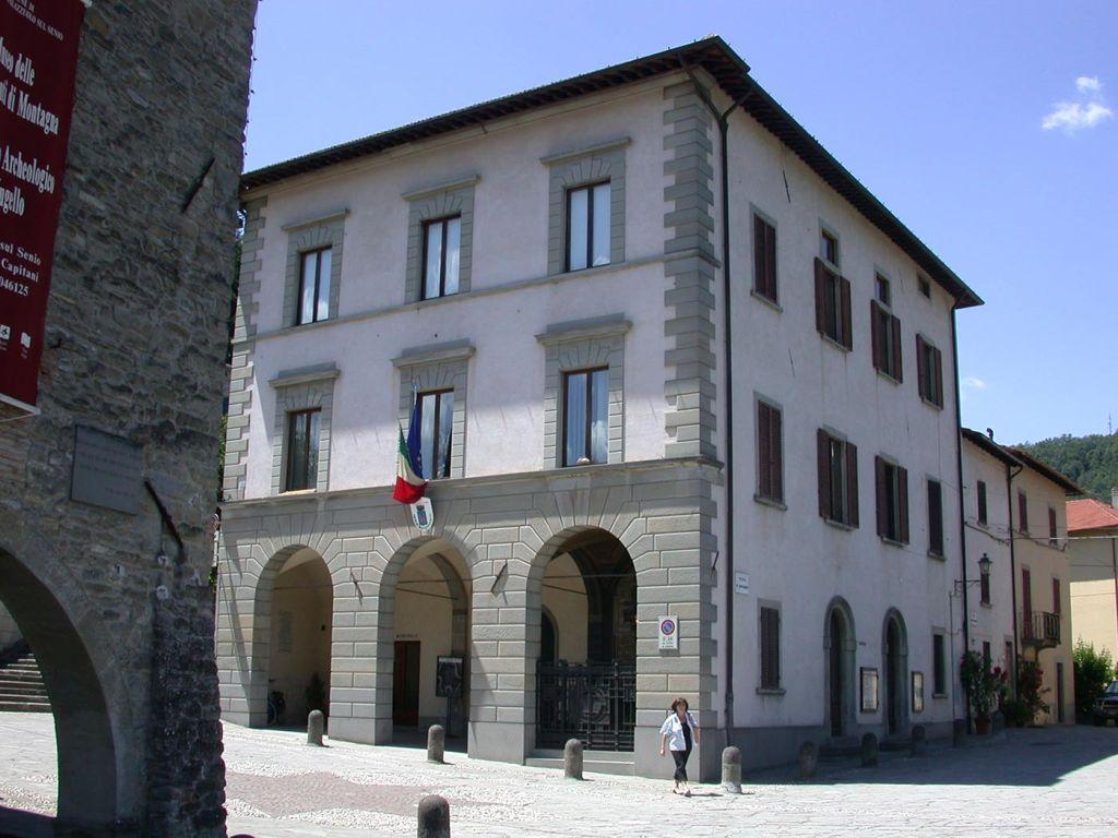 Il municipio di Palazzuolo sul Senio