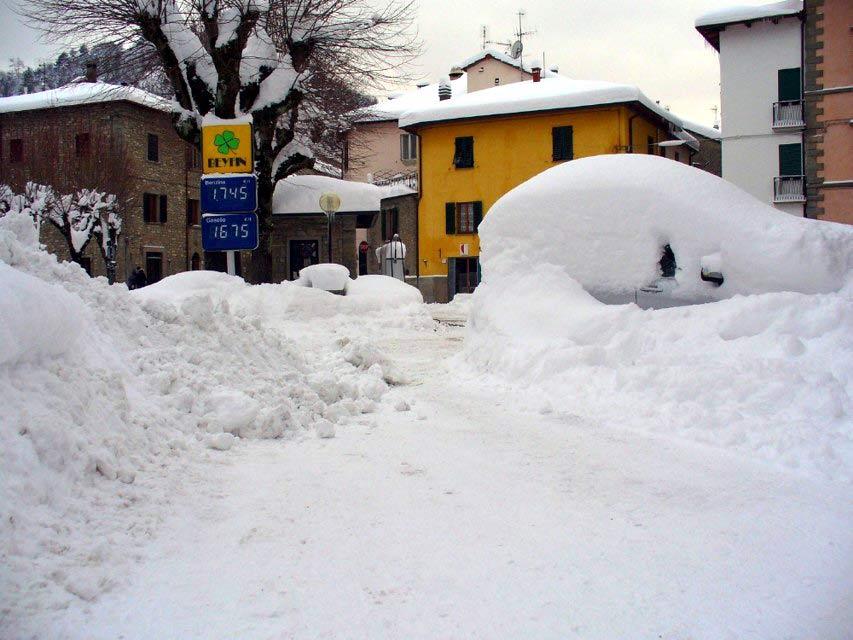Nevicata eccezionale a Palazzuolo sul Senio, febbraio 2012