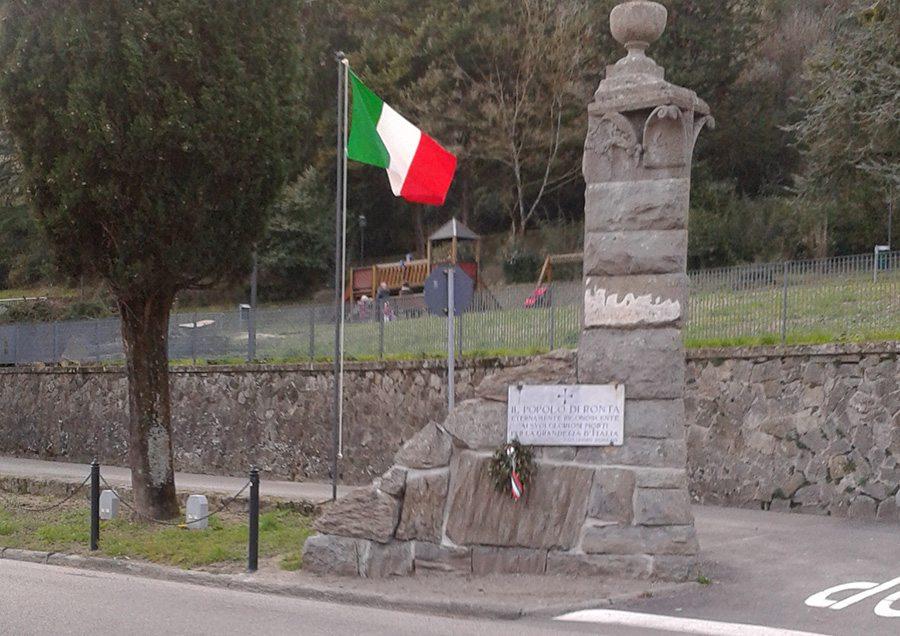bandiera italiana parco rimembranza ronta