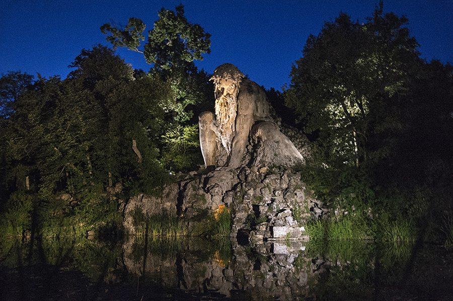 """Il """"Gigante"""" nel parco di Pratolino"""