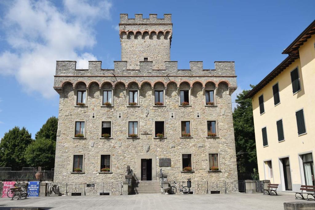 Il Municipio di Firenzuola