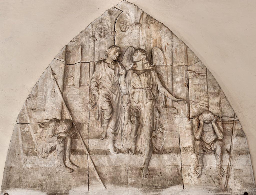 """""""San Pietro che esce di prigione"""", modellato in gesso. (foto di Andrea Lapi © - riproduzione vietata)"""
