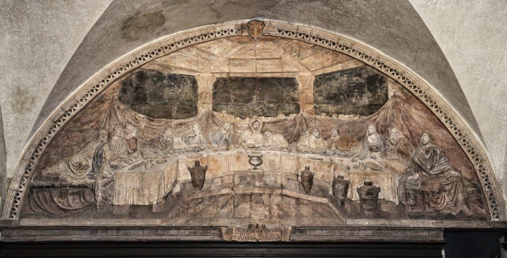 """Il bassorilievo """"L'ultima cena del Signore"""". La grande ceramica ha una base di 6.90 m., circa, ed un'altezza massima di quasi 3.00 m.. (foto di Andrea Lapi © - riproduzione vietata)"""