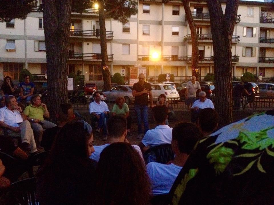 L'incontro tra giunta e giovani di Barberino nel giardino di Badia di luglio scorso