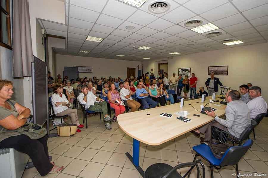"""Presentazione del libro """"Setta di Stato"""" a Borgo San Lorenzo - PH Giuseppe Sabella"""