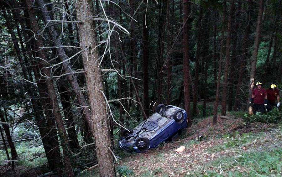 recupero-auto-dal-bosco-incidente-2