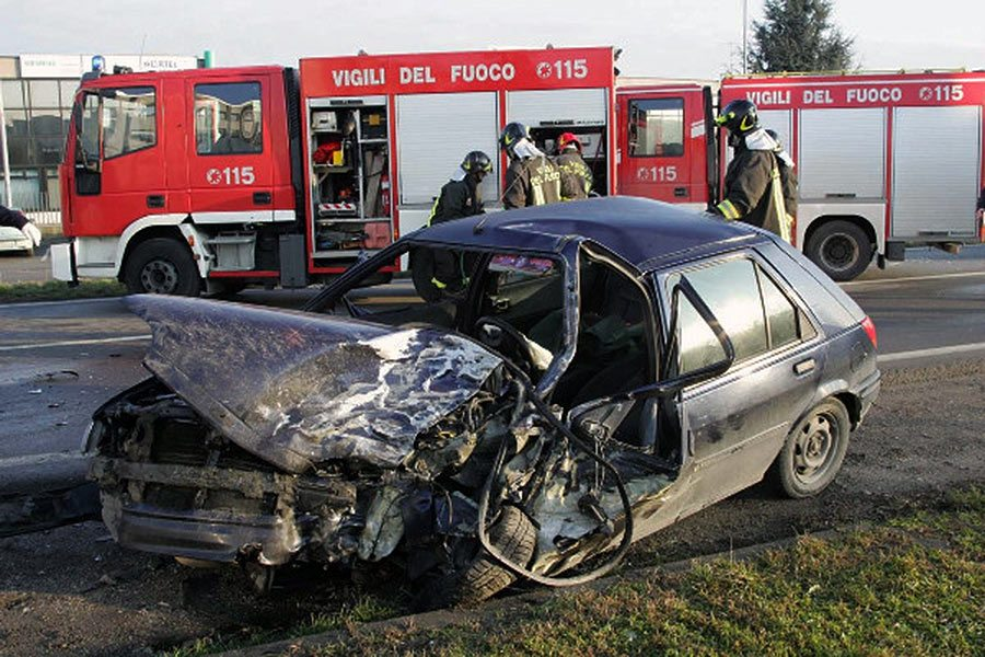 incidente-stradale-vigili-fuoco