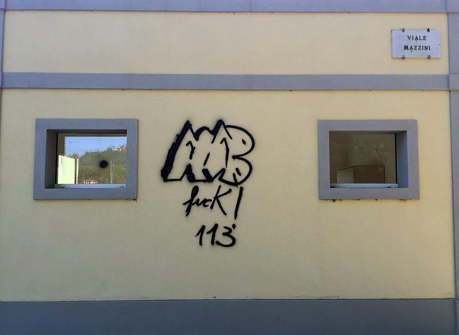 vandalismo-dicomano-2015-1