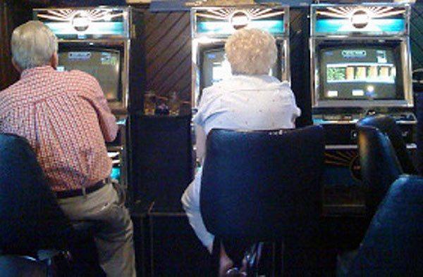 anziani-videopoker