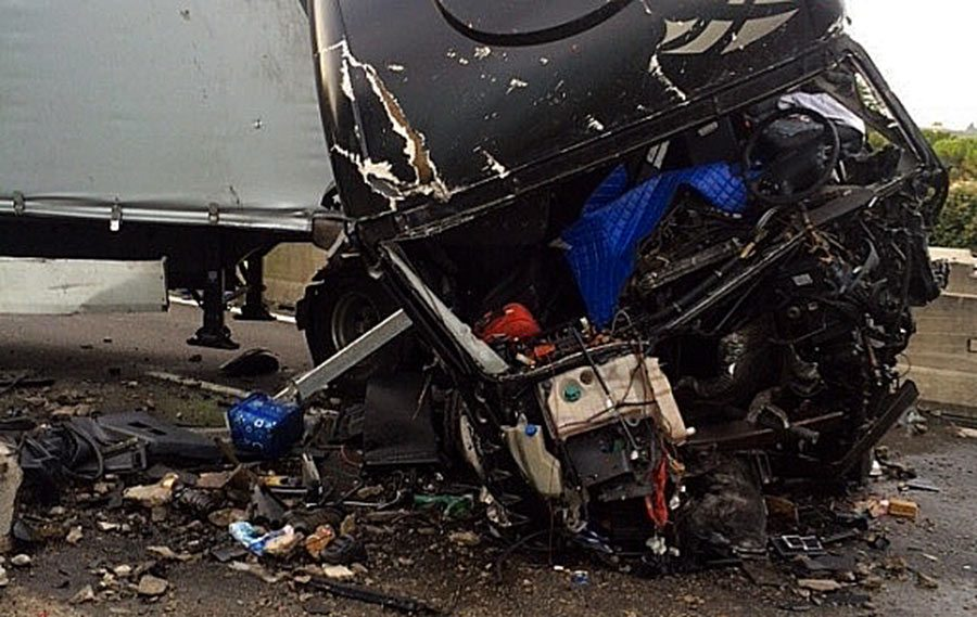 Foto dell'incidente - le condizioni del camion
