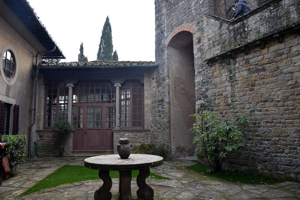 Castello di Barberino, la corte interna