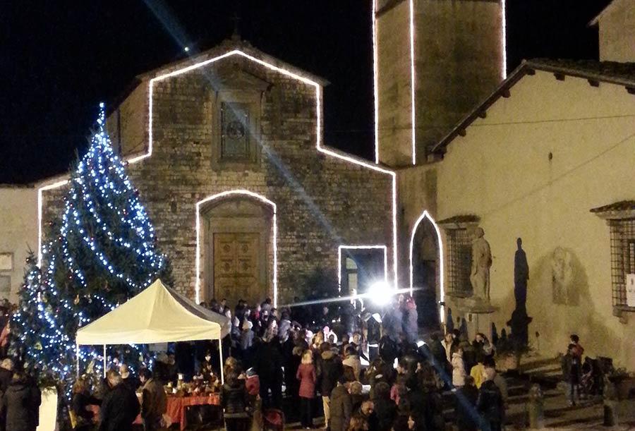 luci-chiesa-san-piero-natale-2015