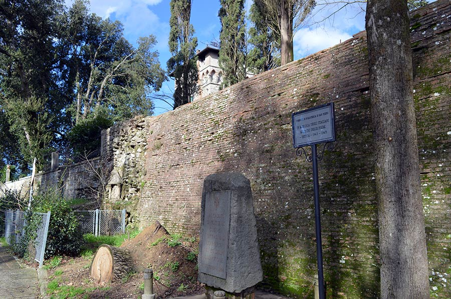 monumento-caduti-lapide-foibe-scarperia
