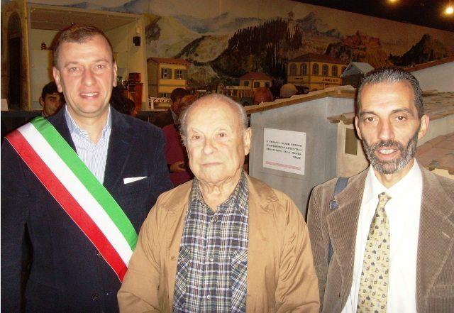 Faliero Lepri al centro, con il sindaco di Scarperia e San Piero Federico Ignesti e l'allora assessore al turismo dell'Unione montana Carlo Zanieri, ottobre 2013
