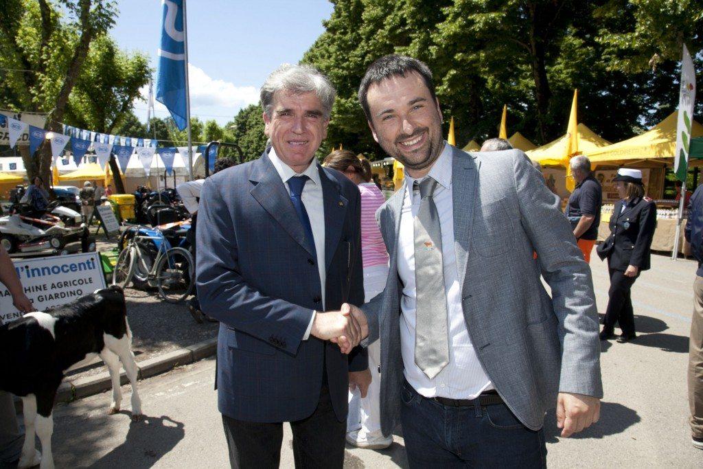 Roberto Nocentini, a sinistra, con l'ex-assessore all'agricoltura del Comune di Borgo San Lorenzo, alla Fiera Agricola Mugellana