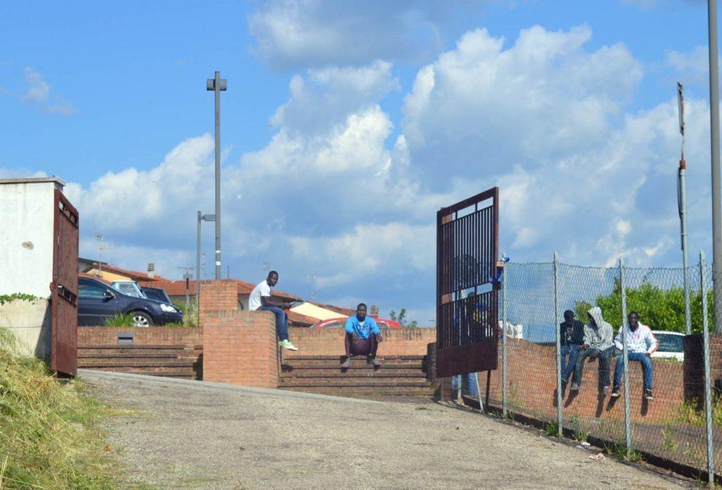 richiedenti-asilo-stazione-borgo-5
