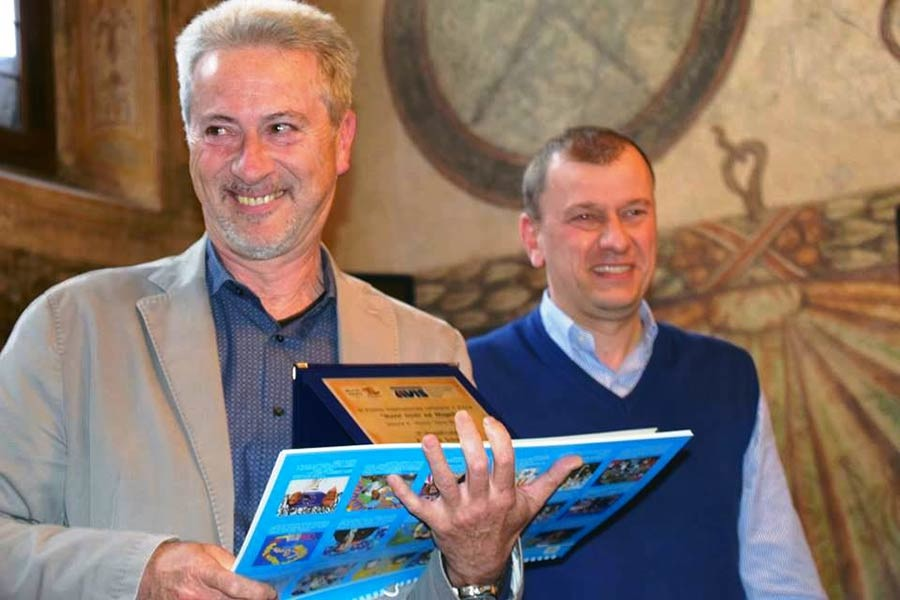 Il vincitore Fabrizio Scheggi con il sindaco di Scarperia e San Piero Federico Ignesti