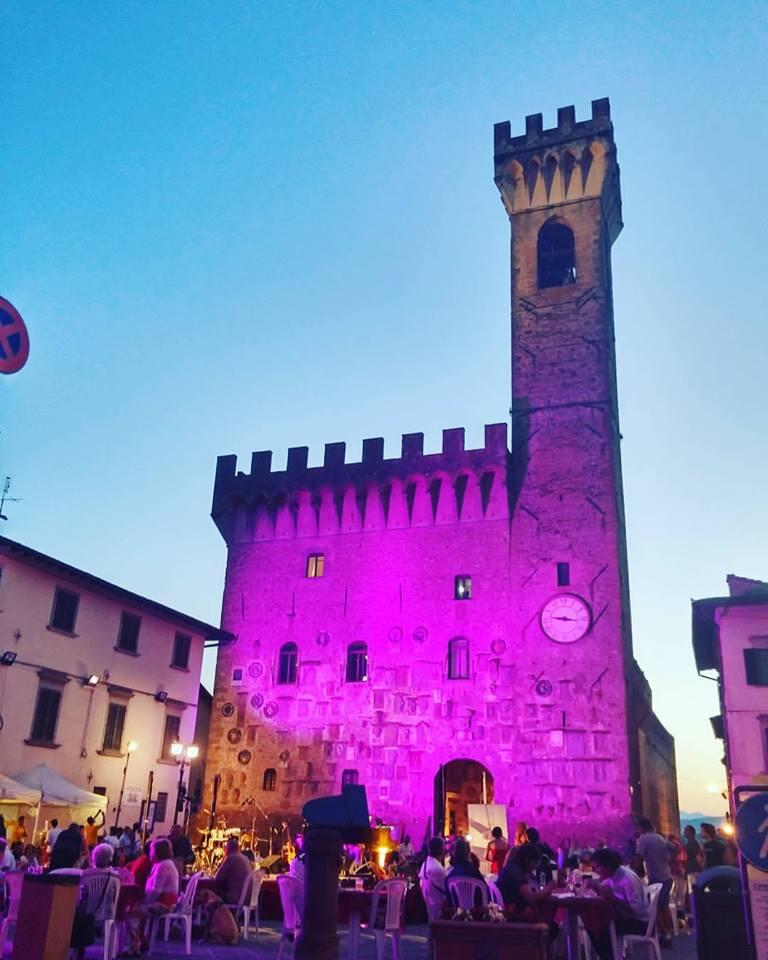 Scarperia Palazzo dei Vicari Notte Romantica