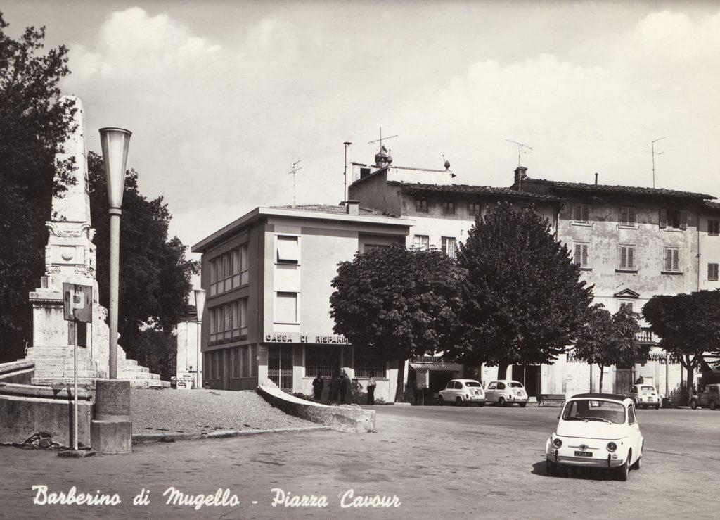 Barberino piazza Cavour anni 60.2