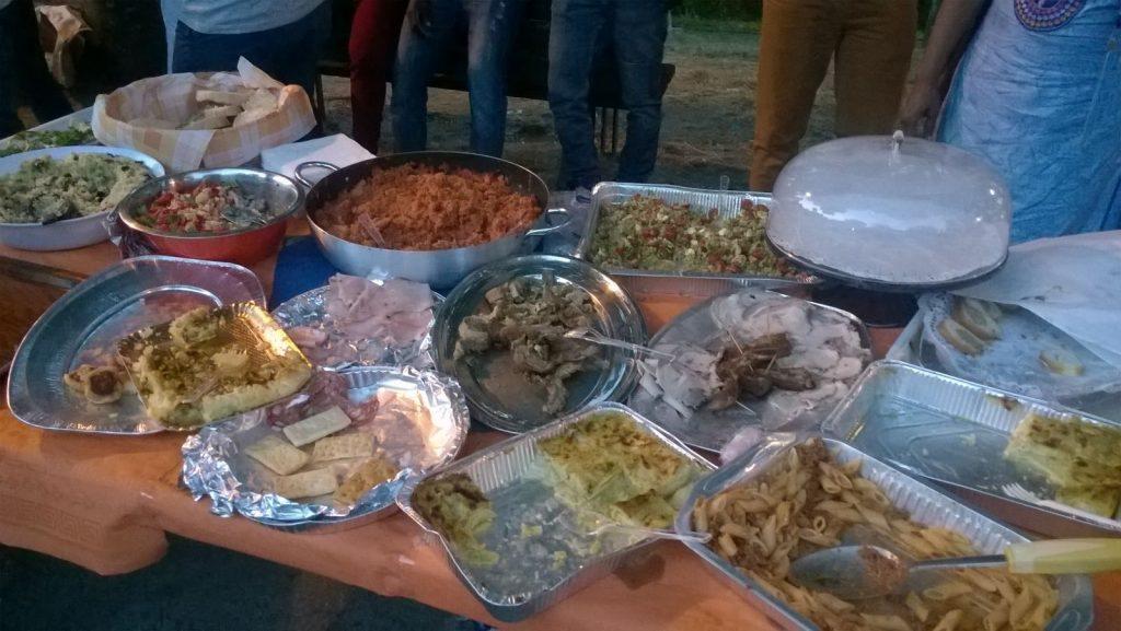 Cena migranti il cenacolo Poilcanto