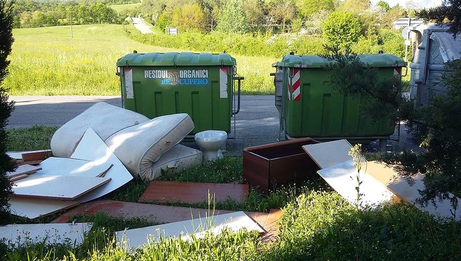 cassonetto-borgo-degrado