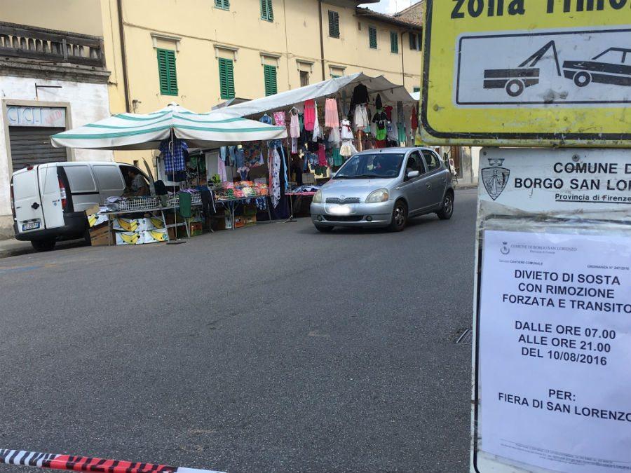 Flop mercato san lorenzo con auto