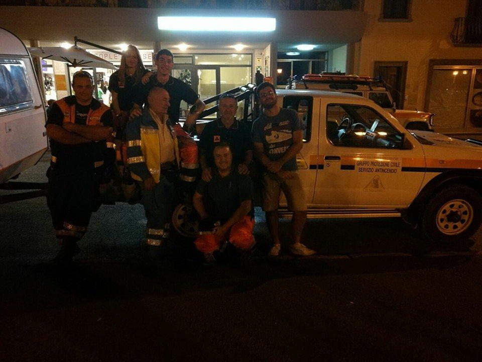 I sei volontari della Misericordia di Dicomano in partenza per Rieti