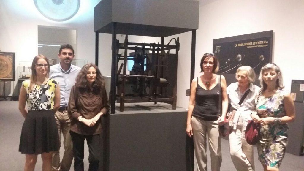Da sinistra, Alessandra Loli (la prima) con accanto Enrico Marchi. A destra Lucia Lopresti (la terza) con al suo fianco la professoressa Carla Romby (immagini F.N.)