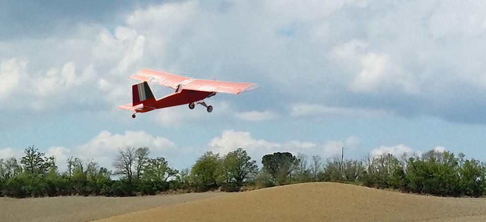 Poppy in volo, archivio Bruno Ducci