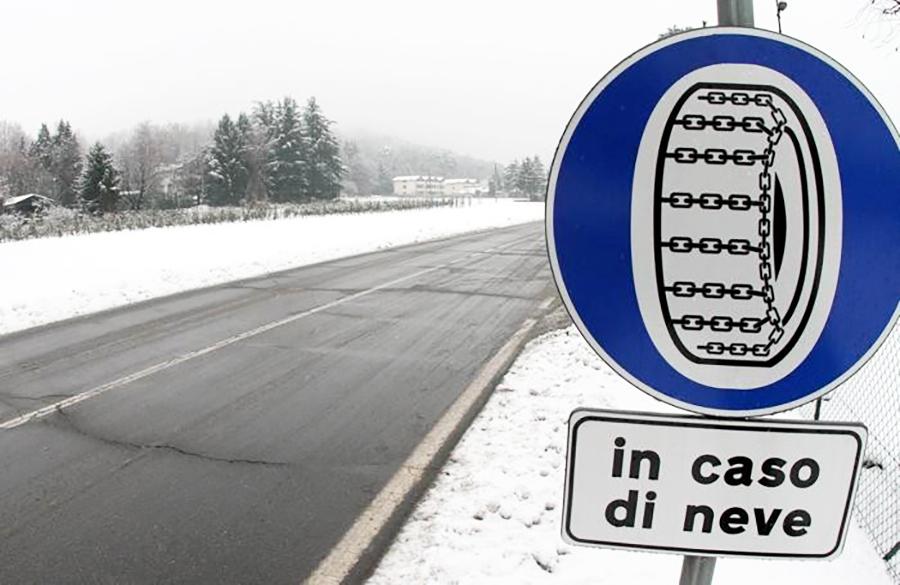 gomme-da-neve-o-catene-a-bordoobbligo-dal-15-novembre-tutte-le-info_30c74cea-a769-11e6-8bc8-bb4b080868fd_700_455_big_story_linked_ima