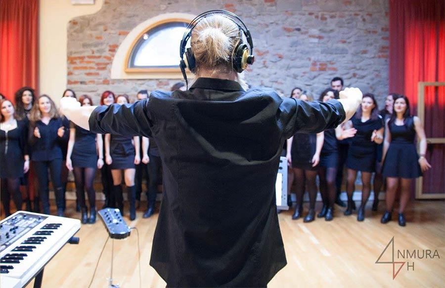 vocal-blue-trains-choir