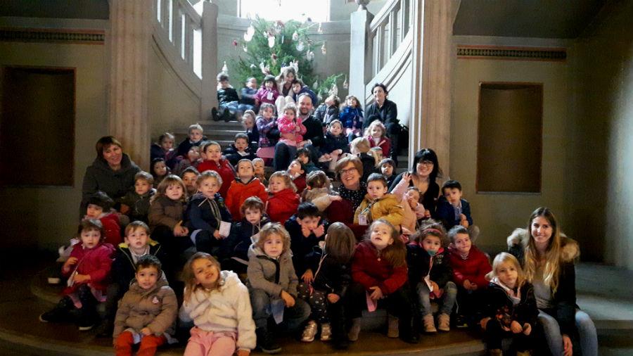 scuola-infanzia-borgo-addobbi-natalizi-1