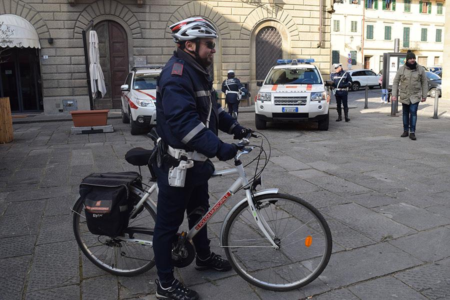 festa-polizia-locale-mugello-2017-6-bicicletta-vigili