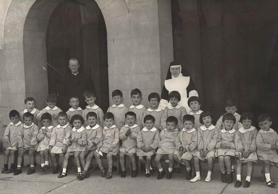 foto-storica-asilo-luco-di-mugello-don-margheri-suore