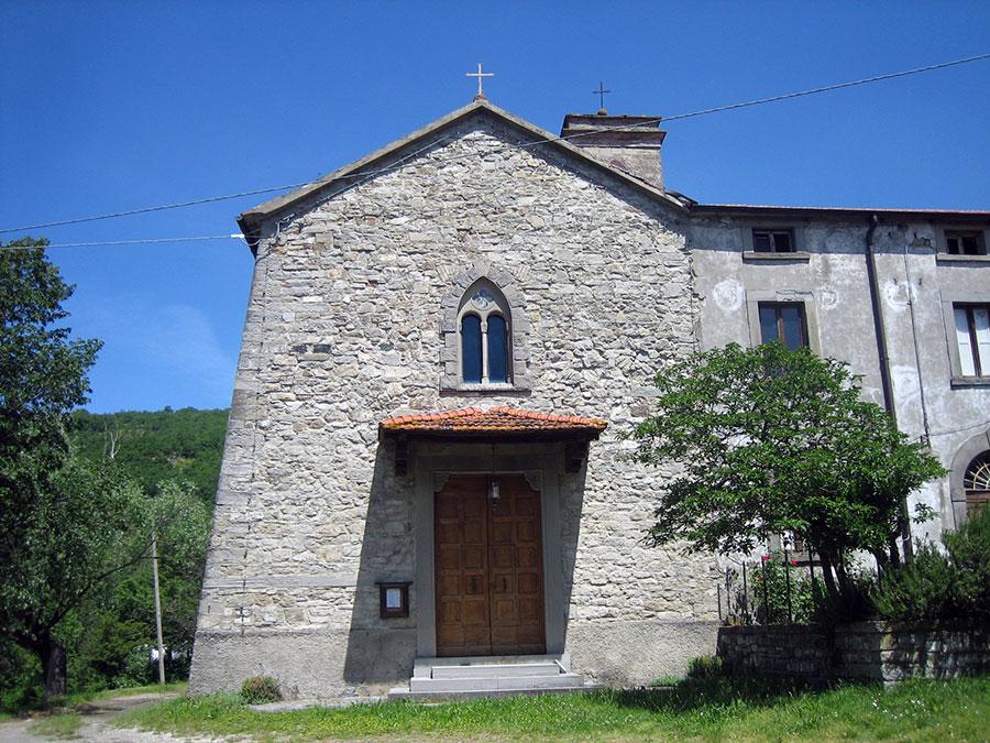 La chiesa di Caburaccia prima del crollo, avvenuto nel 2014
