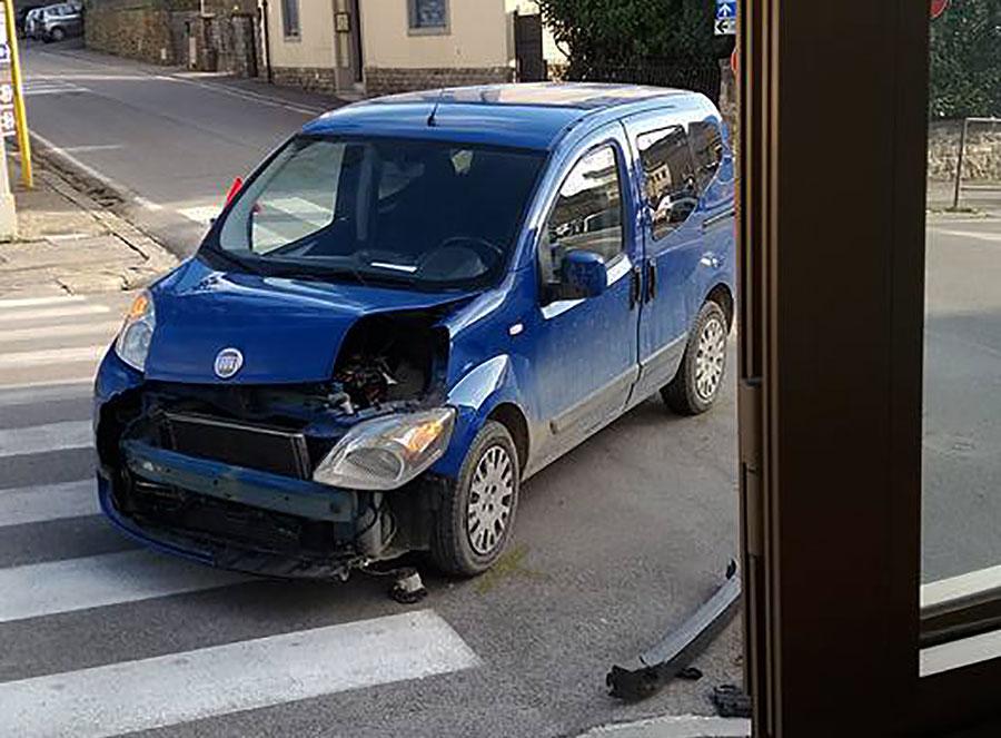 incidente-viale-repubblica-borgo