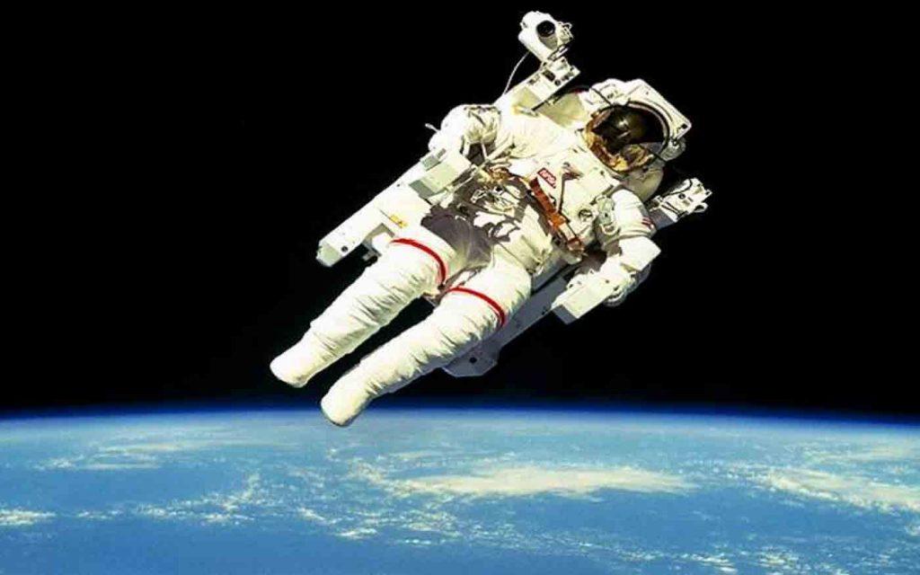Astronauta-nello-spazio