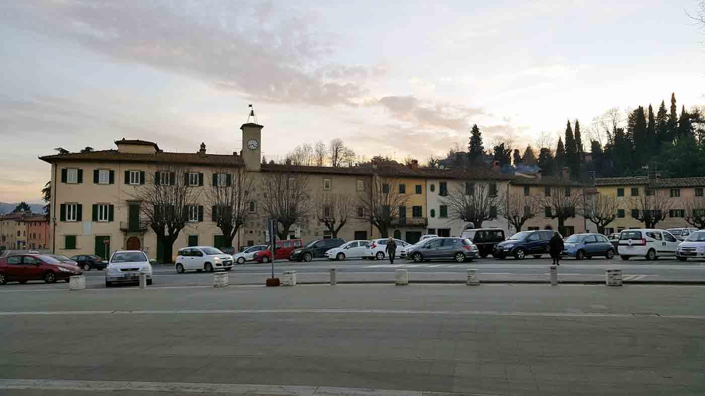 Piazza-Barberino-di-Mugello-