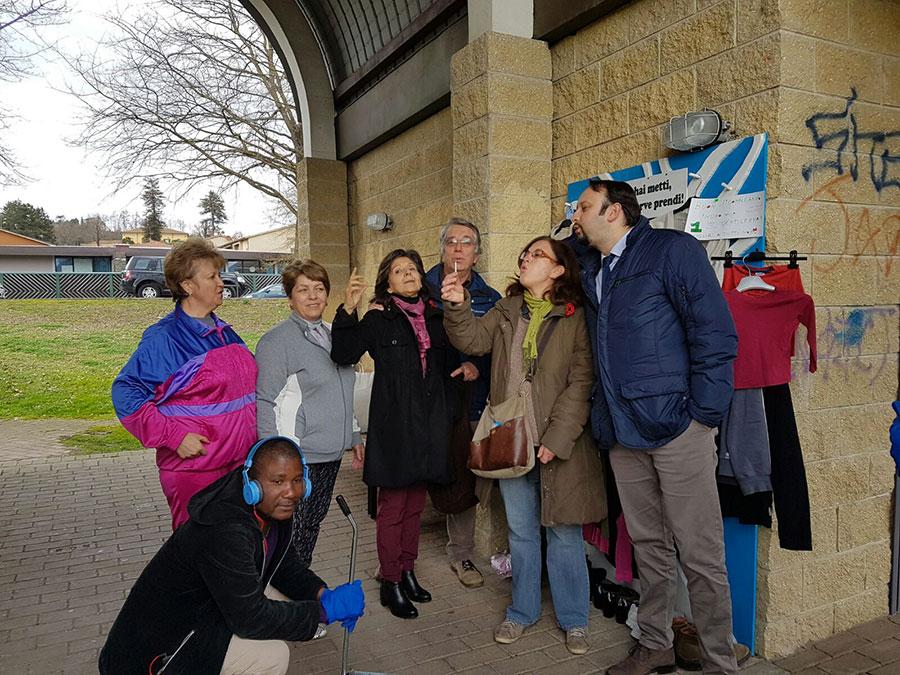 adotta-borgo-migranti-compleanno-albero-solidarieta