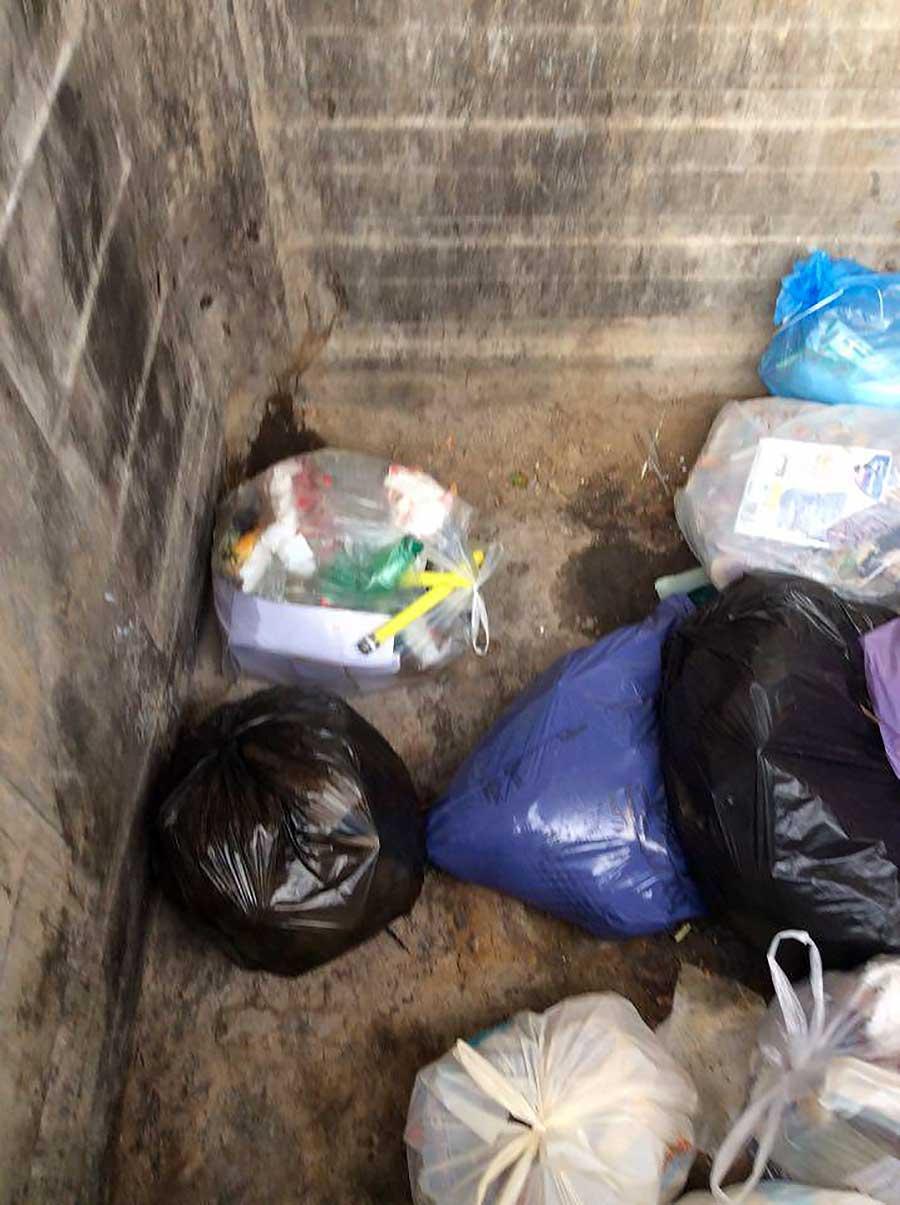 degrado-cassonetti-raccolta-rifiuti-luco-mugello-10
