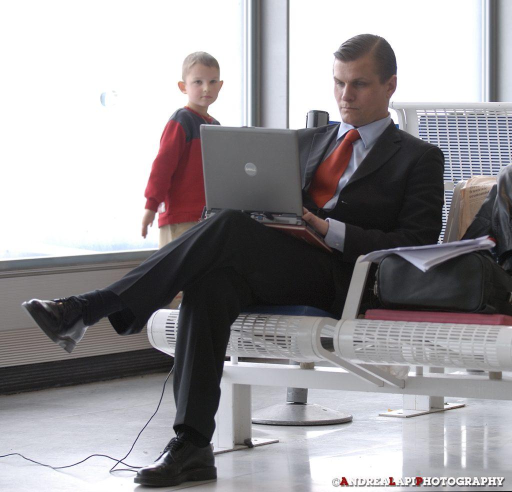 """""""L'uomo d'affari e il piccolo principe"""" - Foto di Andrea Lapi"""