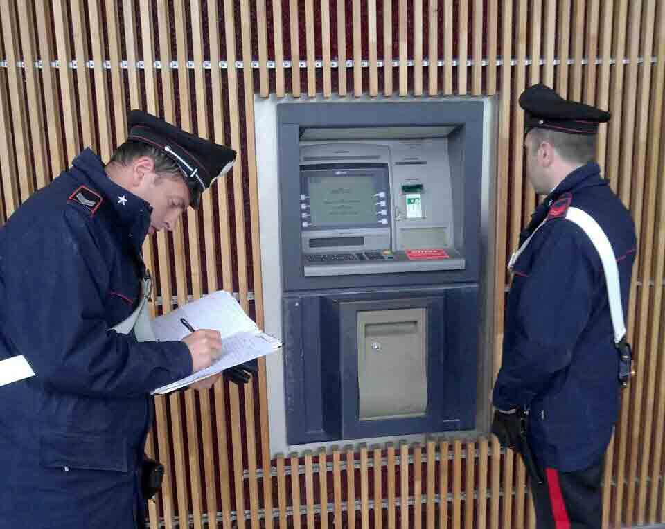 Carabinieri-bancomat-coop-Borgo-