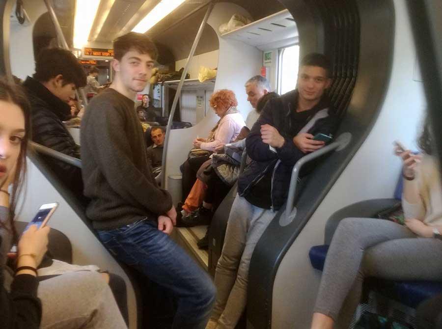 linea-faentina-sovraffollamento-treno