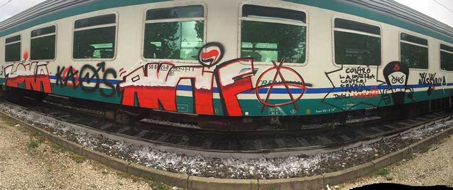 treni-grafitati-borgo-san-lorenzo-3