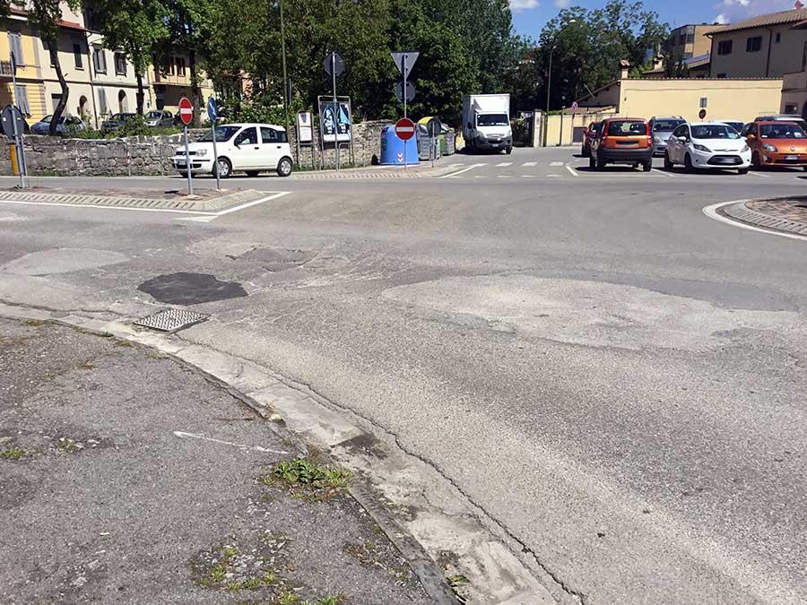 asfalto-manto-stradale-degrado-buche-borgo-2017-8