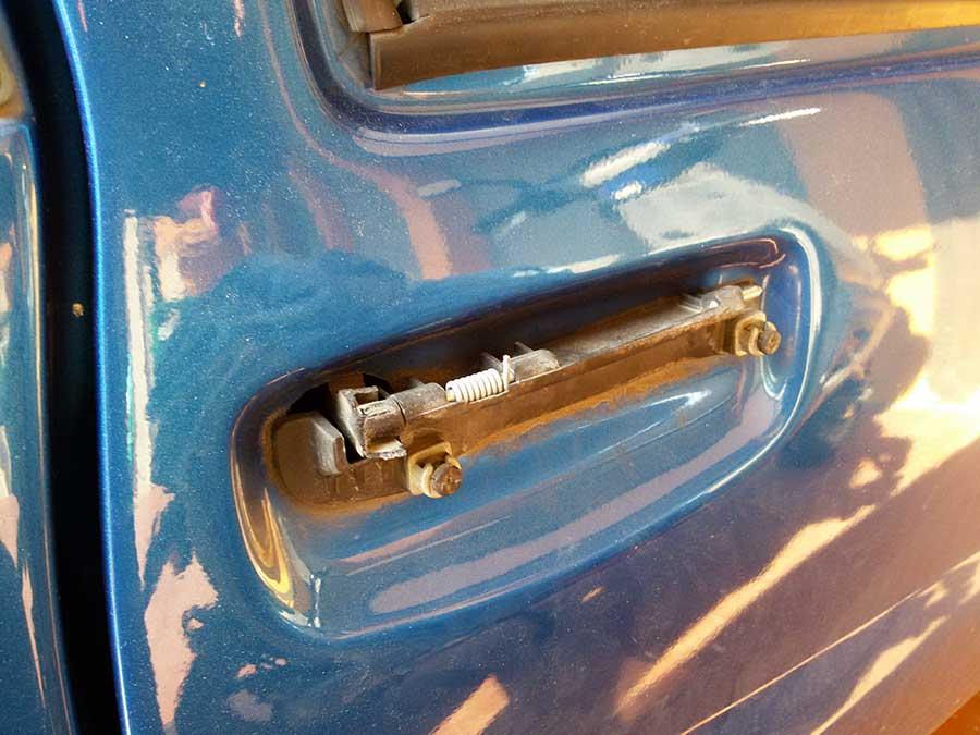 atto-vandalico-minicar-esponente-m5s-1