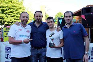 """Elia Guidotti alla consegna della """"Scarpa D'Oro"""" lo scorso 20 maggio nel corso della manifestazione Vivilosport a Borgo San Lorenzo"""