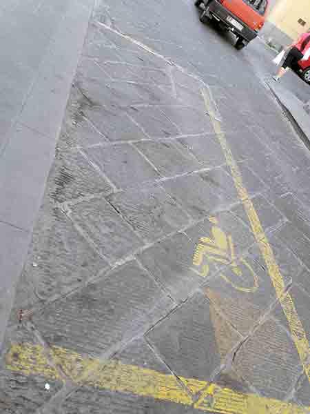 Parcheggio-disabili-Borgo