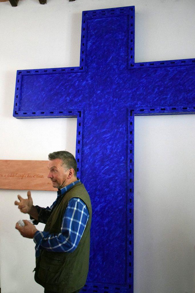 La grande croce di Antonio Di Palma